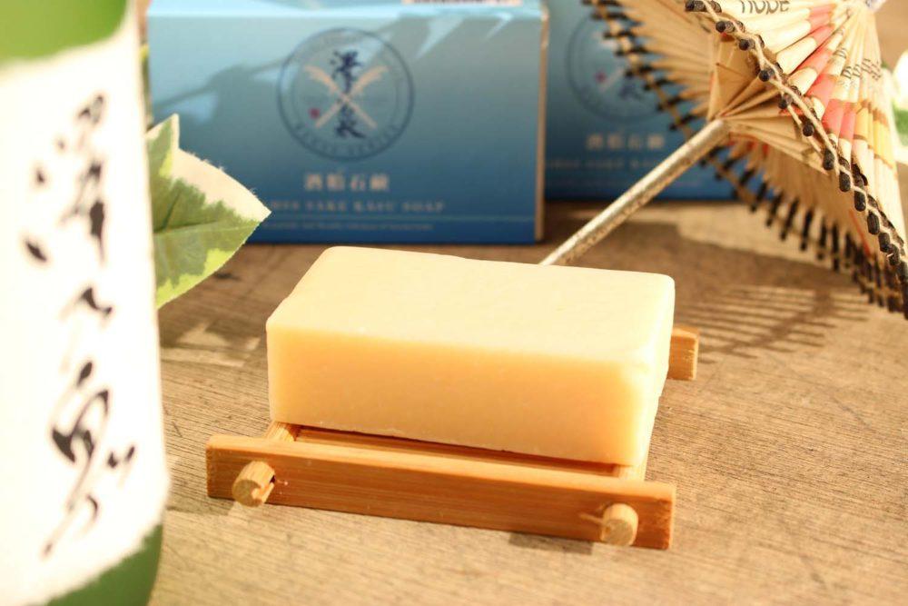 BAHSS 石鹸<br /> 「澤乃泉の酒粕で美しく健康に」をテーマに自社の酒粕と日本酒を使用したコスメシリーズです。